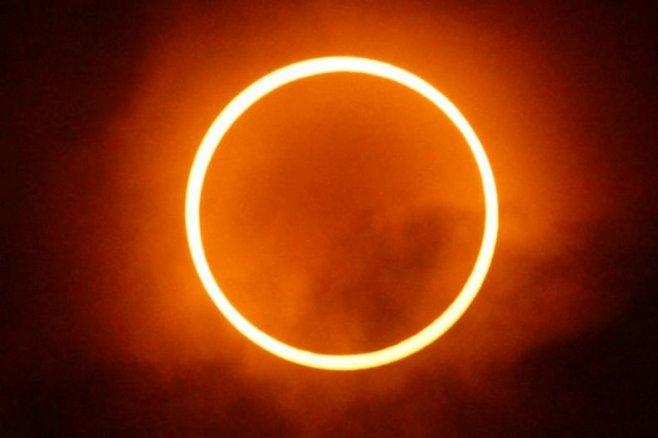 pierderea în greutate eclipsă solară)