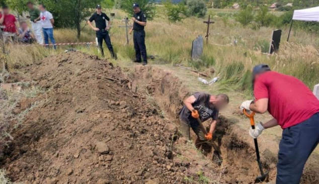 Mass grave uncovered of victims of Russian armed and led occupation of Sloviansk in 2014